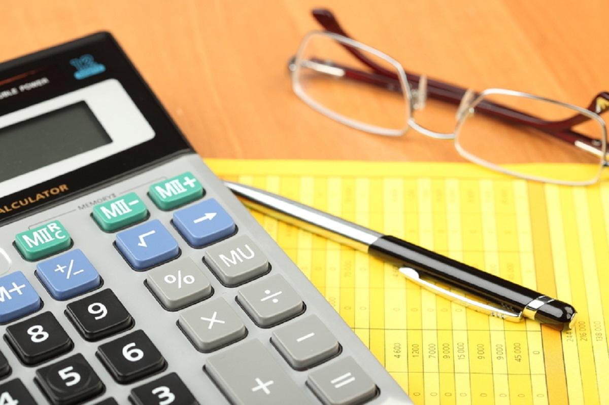 Orçamento equilibrado ajuda a poupar