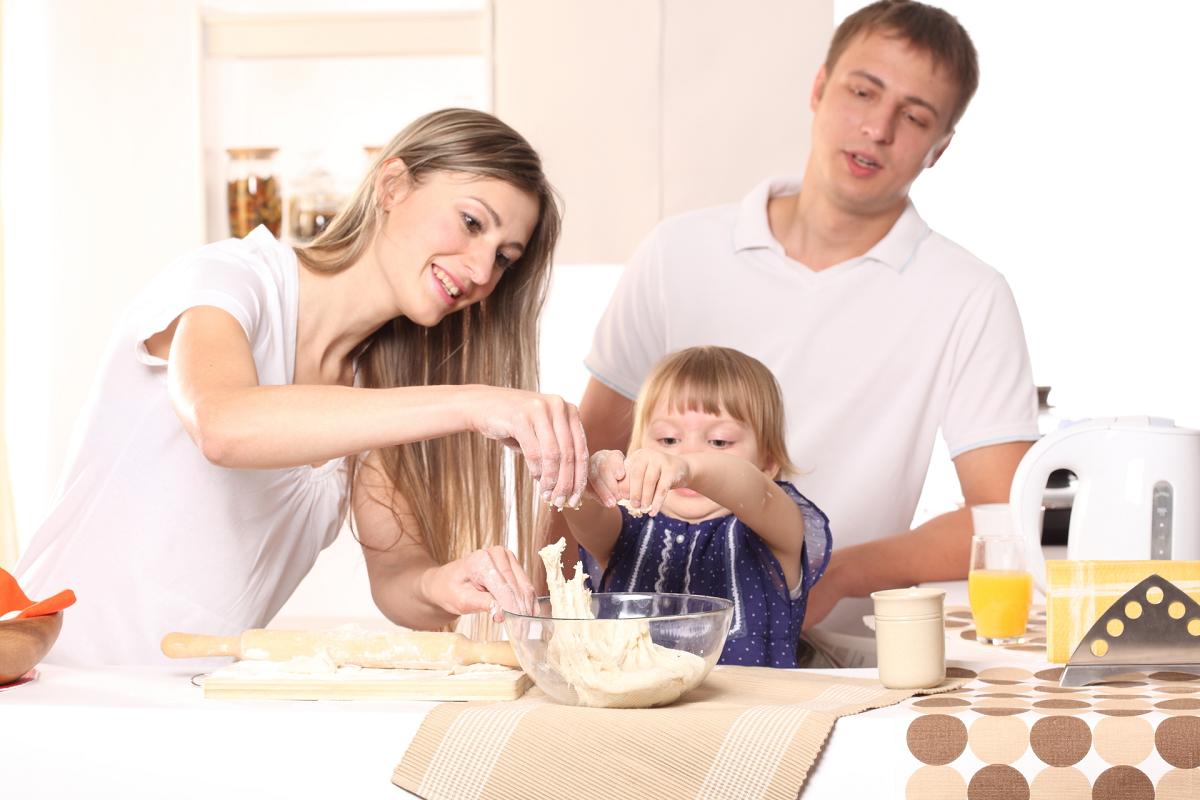 Conheça opções além da poupança para garantir o futuro de seu filho